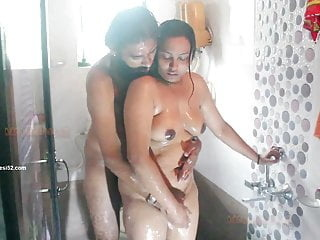 Boltikhahani Desi blowjob mature shower video