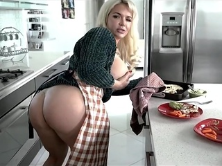 Blonde MILF can Handle every Inch of him big ass big tits blonde video