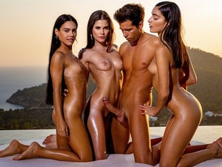 Three beautiful brunettes at sunset gave the boy group Orgy... brunette group sex outdoor video